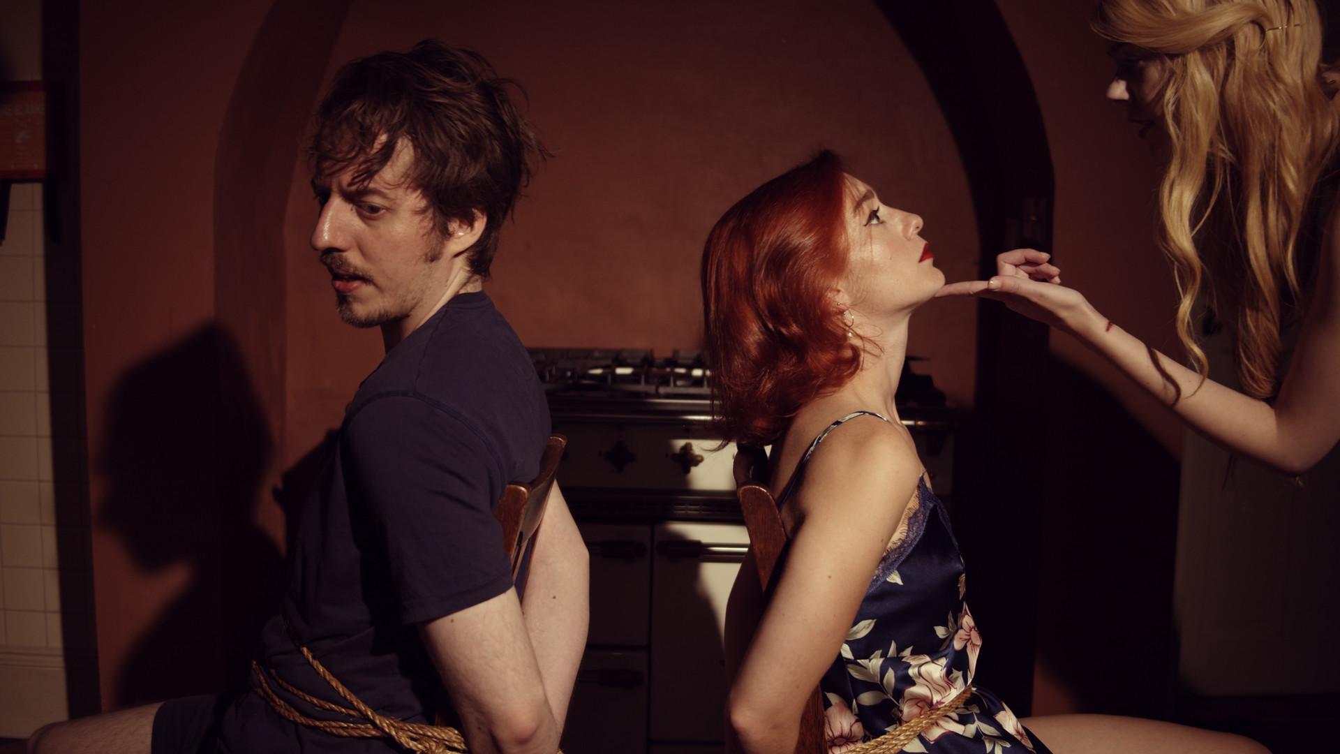 Dark Nights with Poe and Munro screenshot